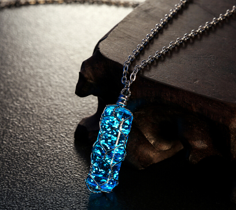 Pretty Cylindrical Luminous Necklace Glow In The Dark Crystal Necklace Pendant HOT Jewelry-MSP0011